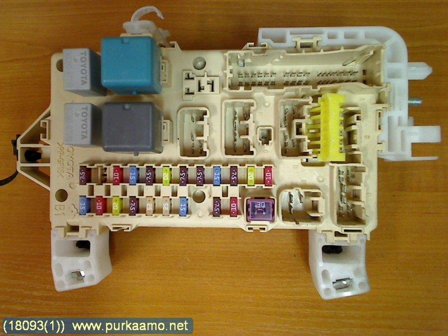 fuse box / electricity central (89221-0f030) - toyota corolla verso -2006