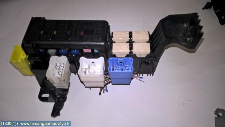 Fuse box / Electricity central - Suzuki Grand Vitara -2004 Where Is The Fuse Box On A Suzuki Grand Vitara on