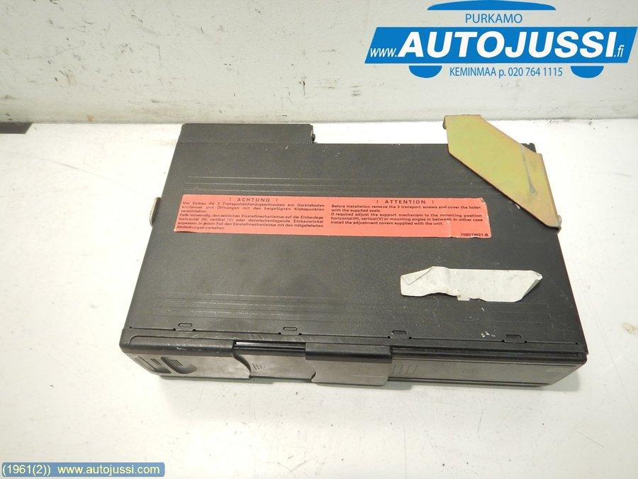 CD changer, BMW 5-Series -2003
