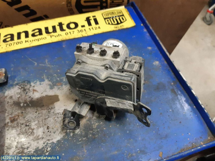 Fuse box / Electricity central, VW Transporter/Caravelle -2004 Fuse Box Vw Transporter on