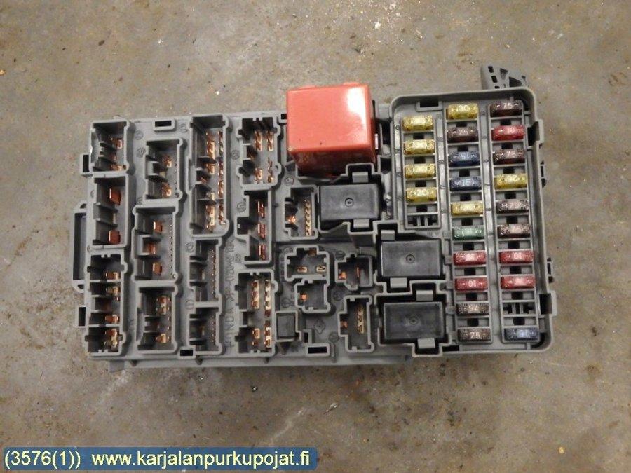 Fuse box / Electricity central, Honda Civic -2001  Honda Civic Fuse Box on