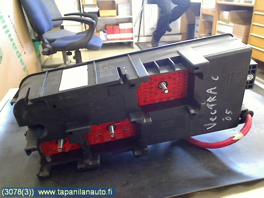 Fuse box / Electricity central, Opel Vectra -2005 Opel Vectra C Fuse Box on